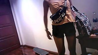 個人撮影 アシアの黒髪可愛い女のコ