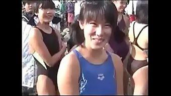 小学生から高校生まで参加できる水泳大会